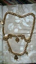 Color oro sólido/Grueso Tribal Gypsy cinturón de danza del vientre con encantos Vintage?