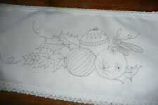 Printed to hand embroider shelf Cloth Christmas Festivities,  Lace edge CSO105