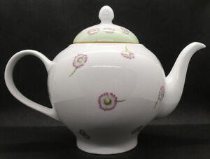 Royal Albert 2004 Daisy Chain Teapot