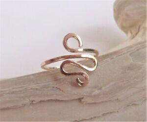 14K Solid Gold Toe,Midi,Knuckle Hammered Swirl Ring