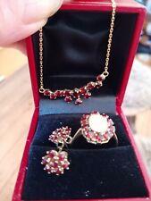 set 333er gold,ring mit echtem opal,ohrringe, collier mit böhmischen granaten