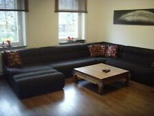 Eine bequeme und gemütliche Couch