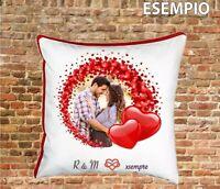 Cuscino personalizzabile con foto e iniziali - fidanzati innamorati
