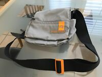 Mandarina Duck Crossbody Purse! Perfect For IPhone And EDC Items! Exc. Cond.