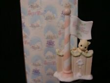 New ListingPrecious Moments Sugar Town-Kitten On Fence-Flagpole-Retired 1997