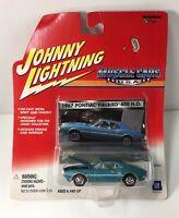 Johnny Lightning Muscle Cars USA 1967 Blue Pontiac Firebird 400 H.O. Red Line