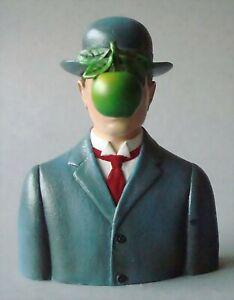 Le Fils de L'homme RENÉ MAGRITTE Figur Parastone Museumsedition MAG01 Skulptur