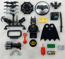NEW LEGO BATMAN MOVIE MINIFIG with 20+ ACCESSORIES lot minifigure grappling hook