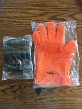Silicone BBQ Gloves One Pair Heat Resistant Cooking Mitts w/ Meat Shred Handles