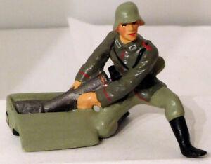 Lineol Duscha German Artillery Soldier #9