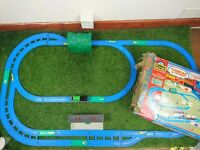 TOMY Tomica Thomas the tank engine and Friends Talk n action Magic Rail Set
