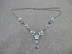 Vintage sky blue crystals & enamel silvertone flowers & leaves necklace w dangle