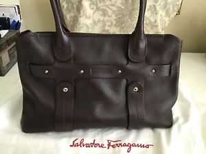 Classy SALVATORE FERRAGAMO Handbag