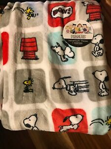 "Berkshire Blanket Snoopy and Woodstock Throw Blanket 55""x70"" Soft Cozy NEW"