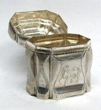 19th CENTURY DUTCH SILVER ENGRAVED HORSE ON TRINKET / PILL BOX