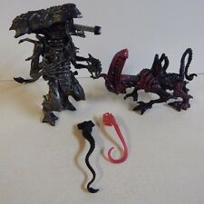 1992 Kenner Aliens Deluxe Queen Alien w/ Whipping Tail Action & Bull Alien Loose