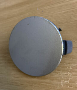 TOYOTA AURIS FRONT Tow Eye Hook Hole Cover Trim SILVER 52127-02200 (A39)