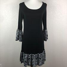 Women's Unbranded Boutique Medium Knee Length Dress 3/4 Bell Sleeves