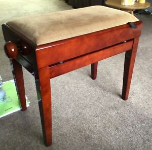 Wooden piano stool, height adjustable with music storage