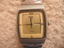 VINTAGE SEIKO AUTOMATIC and MANUAL WIND DAY/DATE MID SIZE CREAM DIAL UNISEX