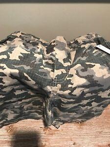 Boys camo shorts size L 10/12(NWT)