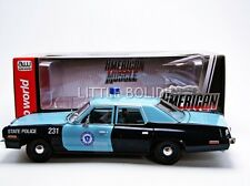 AUTO WORLD 1/18 DODGE Monaco - Police Mass 1974 AMM1023