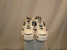 Listing is for 1 Pair of Lightly used Etonic EBMR229-8 size 10W sports shoes.