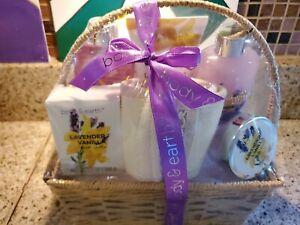 Bath Spa Gift Set, Body & Earth Gift Basket 6-Piece Lavender Scented Spa Basket