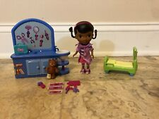 Disney Doc McStuffins check up center 12 Pieces