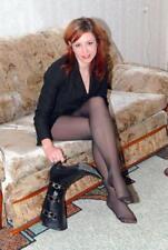 "5""x7"" PHOTO * SEXY RED HEAD in PANTYHOSE SITTING on SOFA w STILETTO BOOTS * AU91"