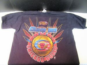 VINTAGE 1998 NBA CHAMPIONS CHICAGO BULLS T-SHIRT SIZE XL VERY GOOD CONDITION !!!