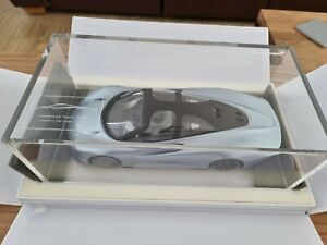 1/18 McLaren Speedtail (damaged)