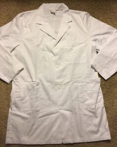 Men's Meta White Lab Coat Size 48 ~ Medical ~ Halloween Costume ~ Doctor ~Nurse