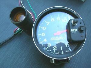 AUTOMETER TACHOMETER WITH SHIFT LIGHT