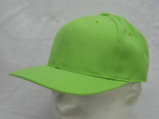 VINTAGE LIME GREEN HAT BALL CAP FITTED SIZE SMALL 7 1/2  WOOL BLEND #G-20)