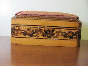 ANTIQUE 19TH. CENTURY TUNBRIDGE WARE INLAID SEWING BOX