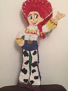 Pinata Toy Story Jessie ,woody or gaby gaby.