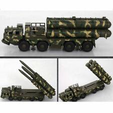 Camions miniatures en guerre