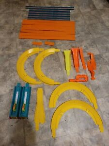 Vintage Hot Wheels Race Track Lot Of 27 Pieces
