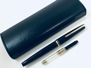 Y5109  MONTBLANC Fountain Pen Black    w/box & Converter