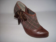 POETIC LICENCE LONDON Brown leather and fabric ankle booties US Sz 8M