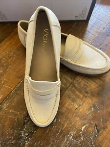 Vionic Womens Waverly Gold Loafers Size 6 New without Box