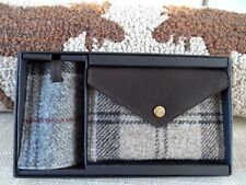 BARBOUR UK 2 PIECE LEATHER GIFT SET- PASSPORT HOLDER & BAG TAG - English Brand