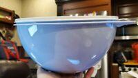 NEW! Tupperware Thatsa® Medium Light Blue w/Grey seal - 19 Cups FREE US SHIP