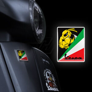 Vespa GTS GTV GT Horn crest decal 125 200 250 300 Green White Red