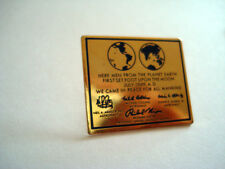 PINS RARE SCIENCE HERE MEN FROM THE PLANET EARTH Neil Armstrong 1969 NASA
