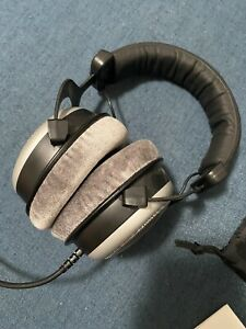 Beyerdynamic DT-880-PRO-250 Semi Open Studio Reference Monitor Headphones