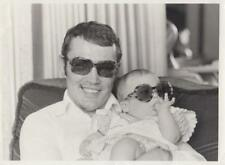 Alan Minter and his six month old daughter Kerry 4/14/77- Press Photo