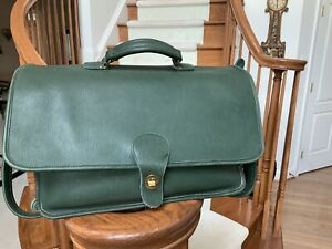 PREOWNED VINTAGE COACH GREEN LEATHER FLAP BRIEFCASE VERY RARE!