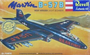 2008 DISCONTINUED revell 85-0230    MARTIN B-57B   NEW IN THE BOX Scale 1:81